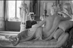 ITALY. Rome. Borghese Gallery. 1955. Bernhard BERENSON, American art collector of Lithuanian origin, looking at Pauline Borghese by Antonio Canova.